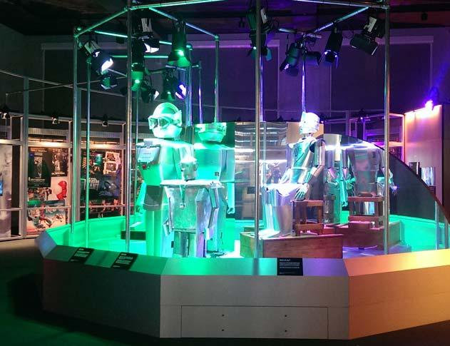 Robots_small_1.jpg